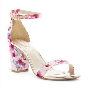 Bandolino Floral block heel
